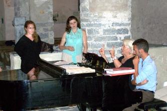 4. Консультация с Лучаной Серрой (солисткой Театра Ла Скала)(Италия, Монтальто Лигуре, 2013).
